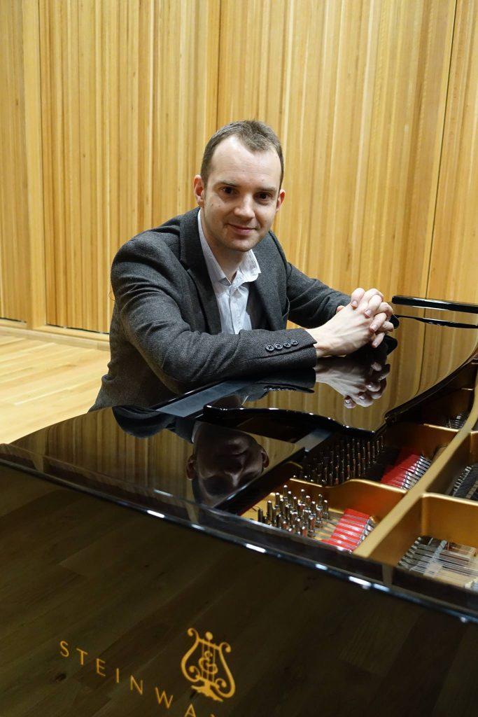 wedding pianist hertfordshire | Martyn Croston | Piano player